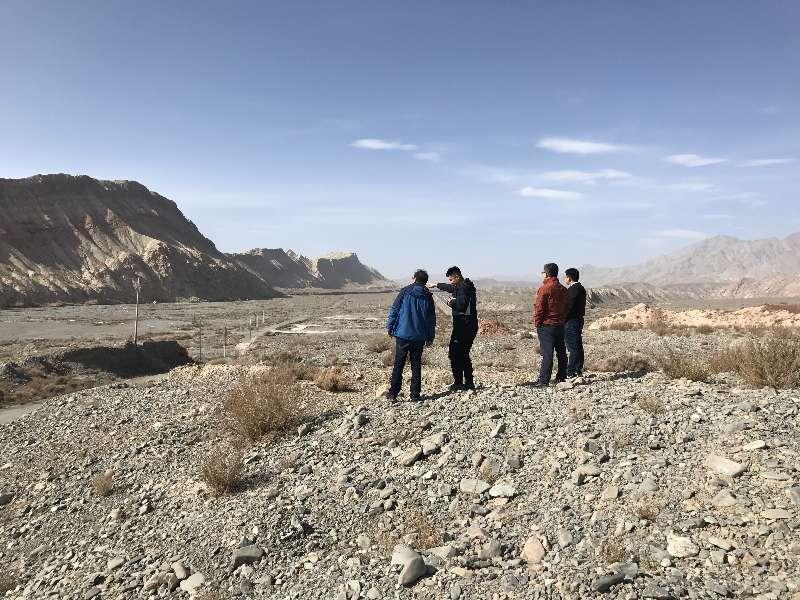 新疆连云港—霍尔果斯国家高速公路吐鲁番—和田及伊尔克什坦联络线喀什—伊尔克什坦口岸段公路工程